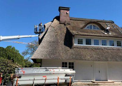 Reparatur von Reetdächern